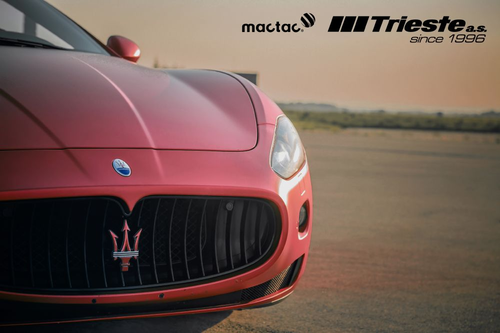 resized_Maserati_matte_red_chrom_1