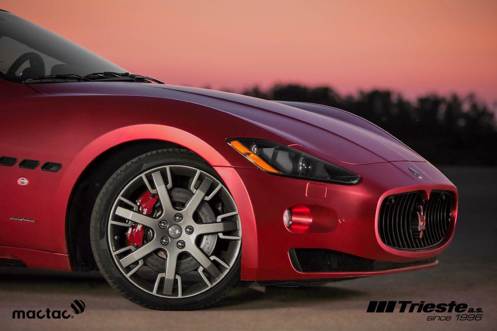 resized_Maserati_matte_red_chrom_5