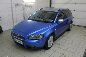 Volvo V50 blue metalic